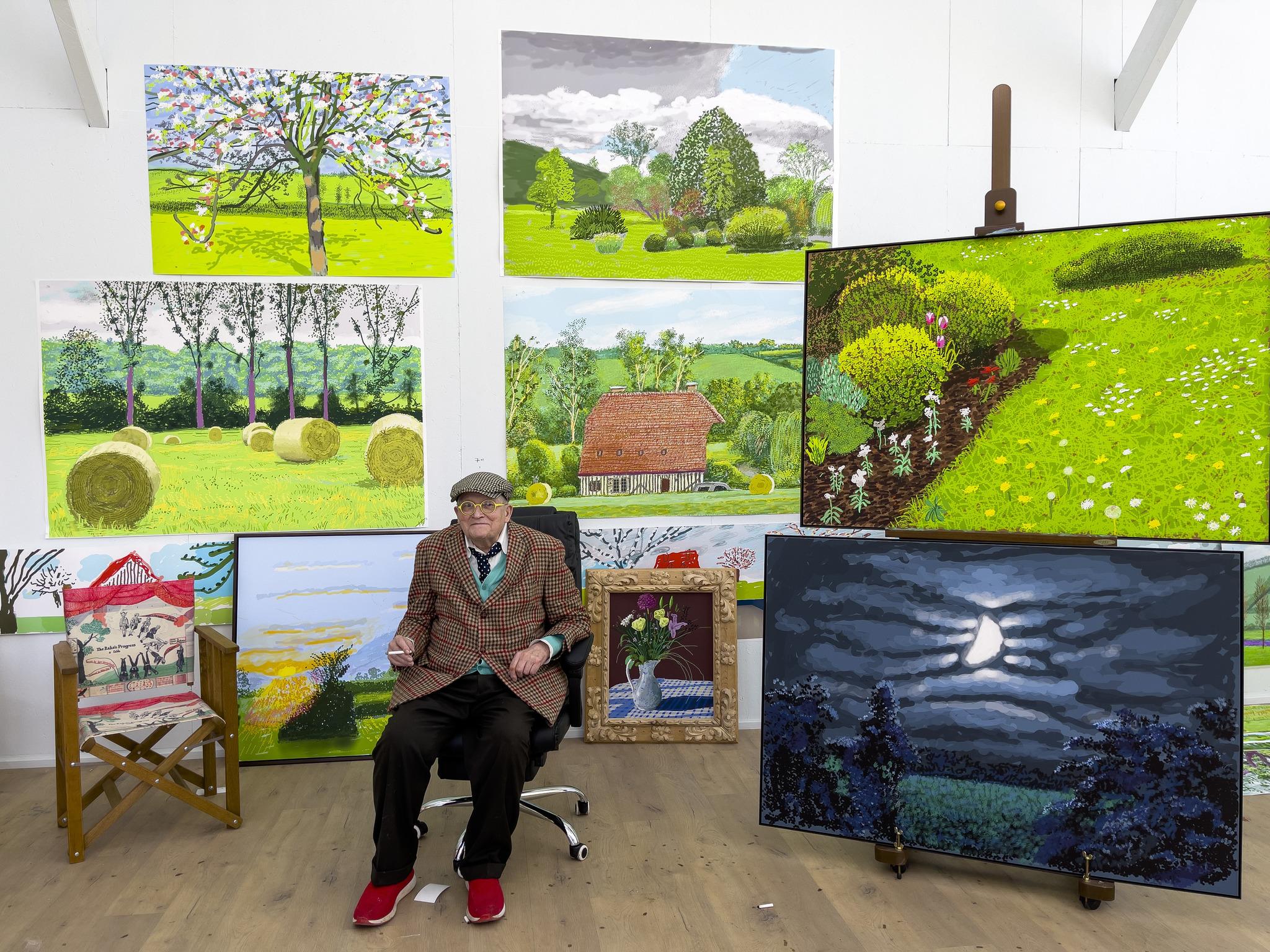 David Hockney, en su estudio de Normandía, donde retrató la primavera con su iPad.