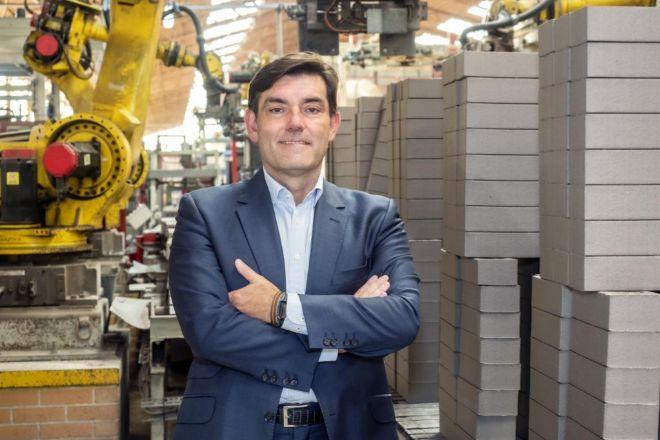 Francisco Antonio Rodríguez ha desarrollado toda su carrera profesional en La Paloma Cerámicas, un negocio que comenzó su padre hace 42 años.