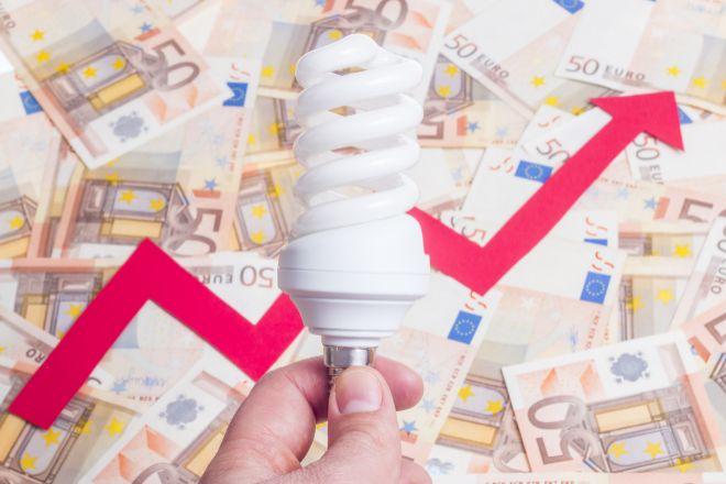 La luz sube casi un 4% este sábado hasta alcanzar los 211,21 euros/MWh