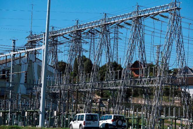 El precio de la luz vuelve a subir este lunes hasta los 225,36 euros/MWh
