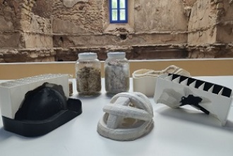 Un curioso laboratorio dentro de una antigua ermita