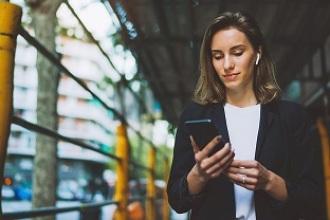 ¿Y si utilizar la banca móvil fuera tan sencillo como escribir un mensaje de Whatsapp?