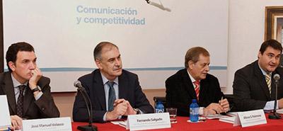 Un momento de la presentación del libro 'Comunicación y Competitividad'