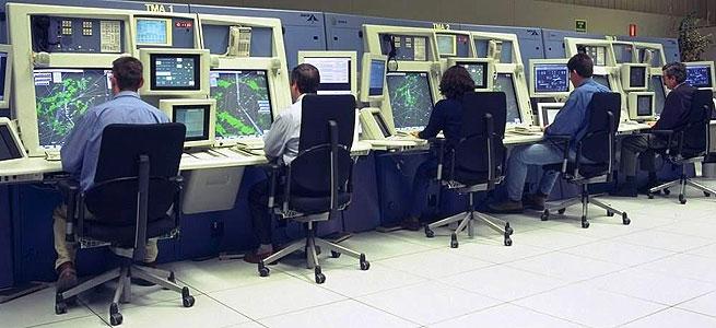 Controladores aéreos en Barajas. EXPANSIÓN
