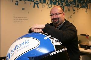 Antes de incorporarse a Softonic, Emilio Moreno ostentó cargos en Intercom y en la multinacional británica Cable & Wireless. / Elena Ramón