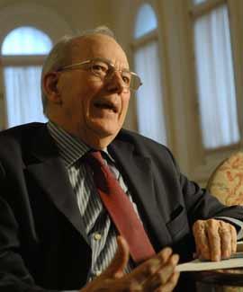 El ex director gerente del FMI, Michel Camdessus, estuvo en la Fundación Rafael del Pino en Madrid.