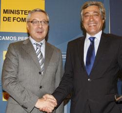 El ministro de Fomento y su homólogo portugués, A. Mendonça