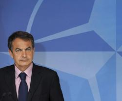 El presidente del Gobierno español, José Luis Rodríguez Zapatero, tras la reunión mantenida en la sede de la OTAN.