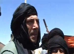 Imagen del actor en una de sus estancias en los campamentos del Sáhara
