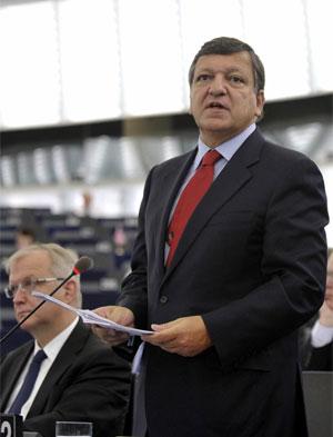 El presidente de la Comisión Europea, José Manuel Durao Barroso, interviene ante el pleno del Parlamento Europeo.