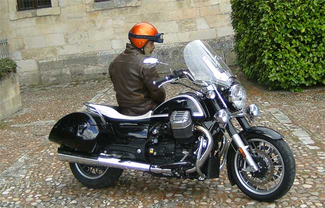 California 1400 Touring, verdadero Moto Guzzi 'way of life