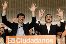 """Los líderes de los partidos aguardan """"expectantes"""" los resultados electorales"""